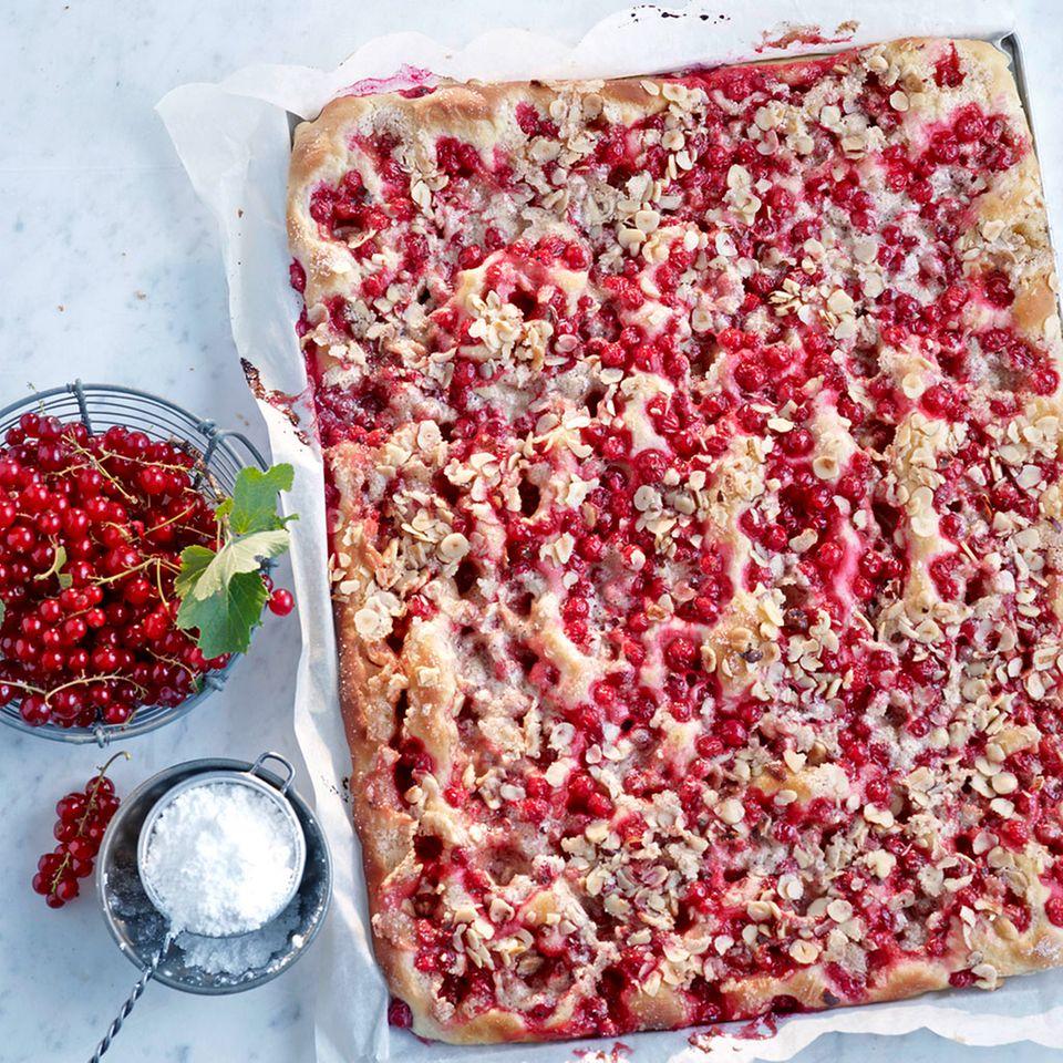Kuchen und Torten mit Johannisbeeren