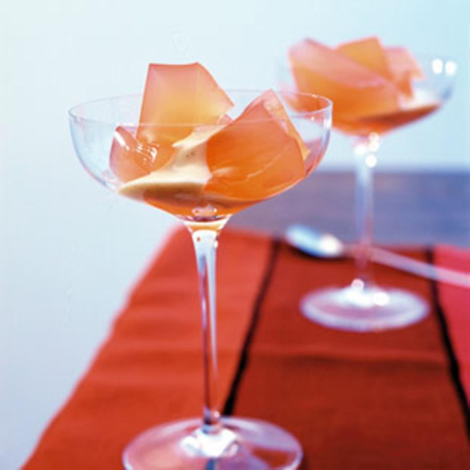 Apfel-Campari-Gelee mit Vanillesauce