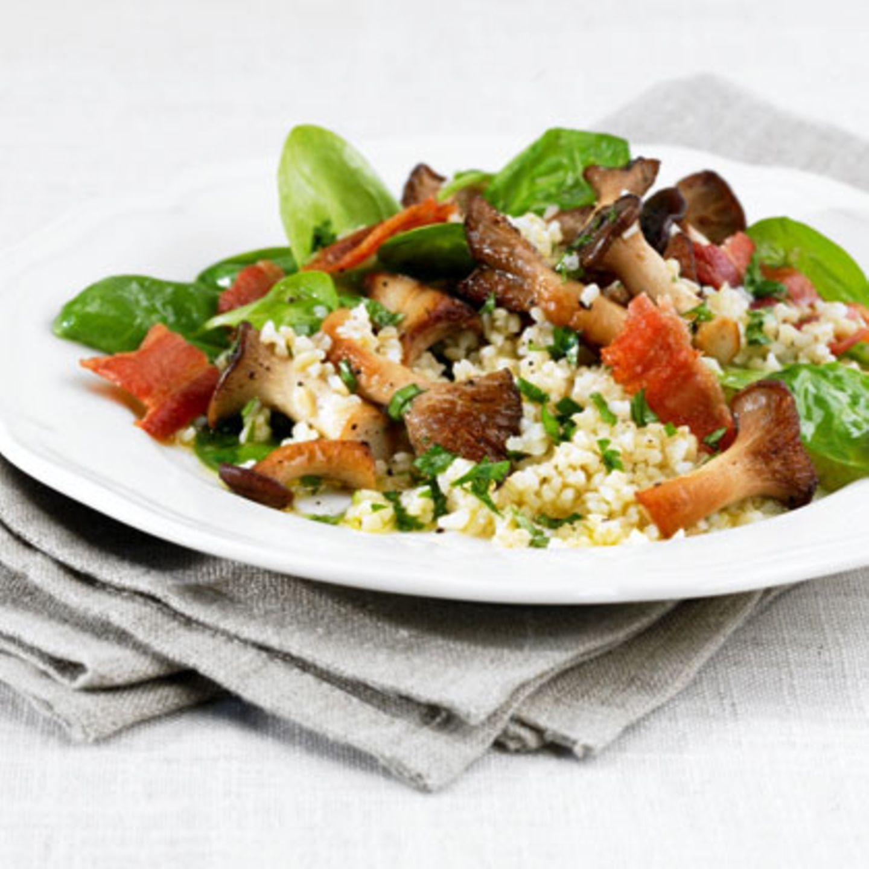 Salate mit Schweinefleisch