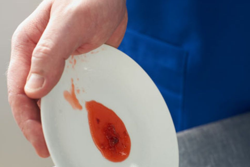Erdbeer-Rhabarber-Konfitüre mit Basilikum