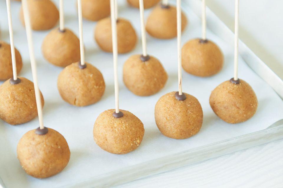 Erdnuss-Cakepops