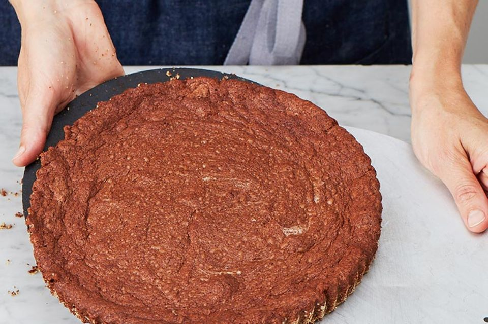 Gâteau au chocolat mit Apfelkompott