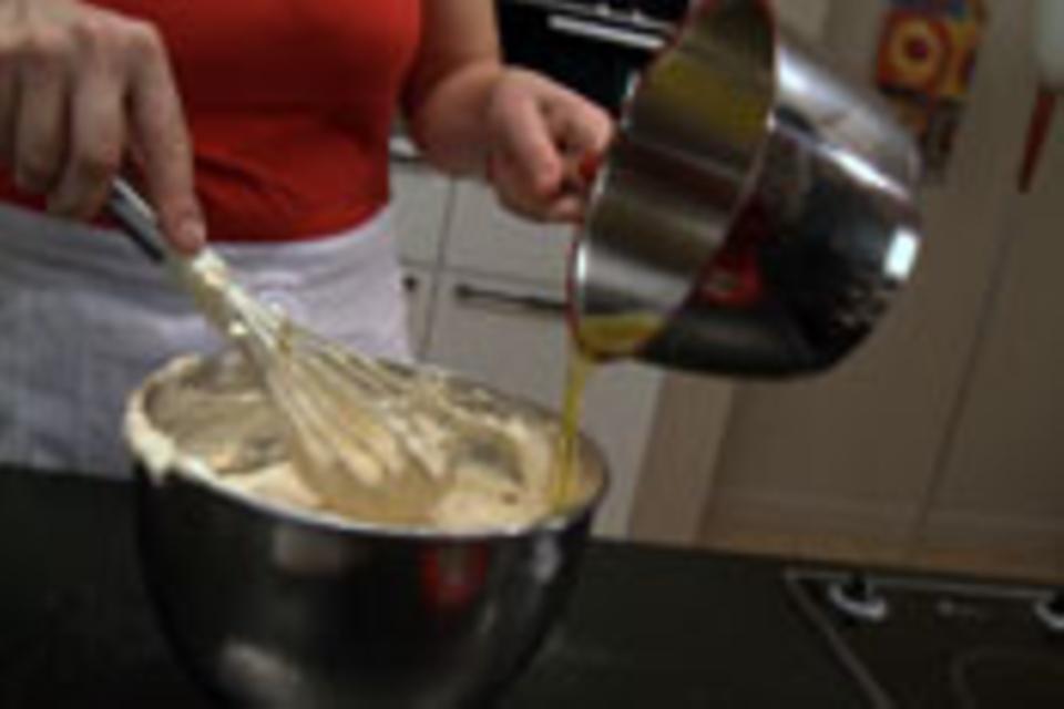 Butter vorsichtig unterrühren