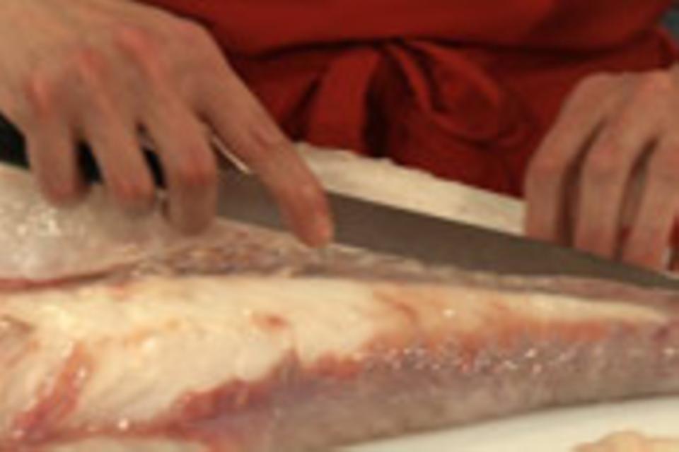 Fisch einschneiden