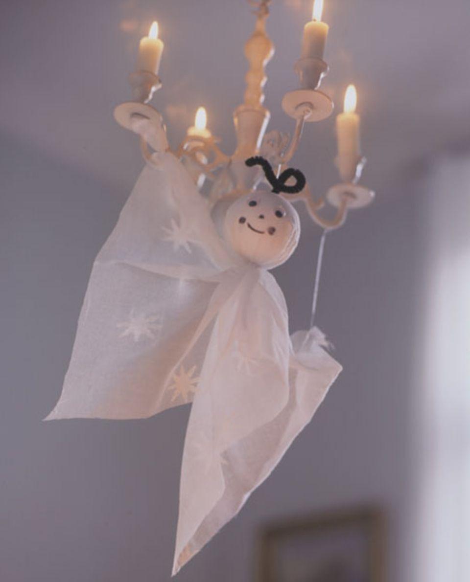 Kleine Geister machen sich gut an Halloween