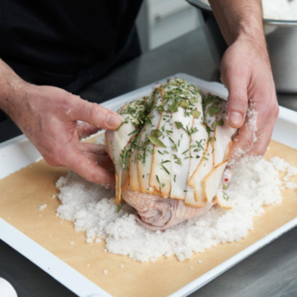 Wie macht man eigentlich... Huhn im Salzteig