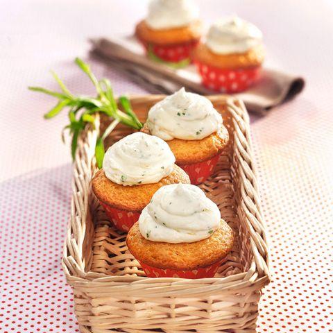 Getränkte Orangen-Cupcakes mit Ricotta-Estragon-Creme