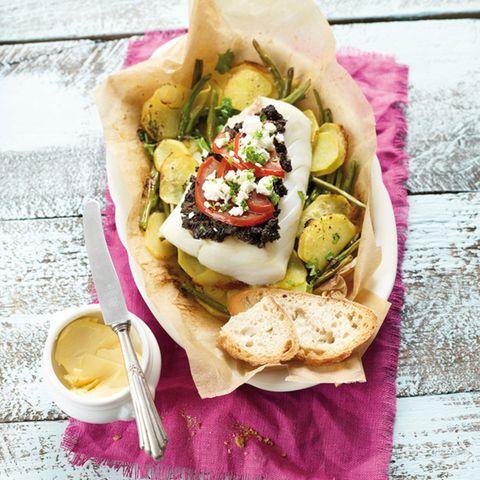 Provenzalischer Fisch auf Gemüsebett