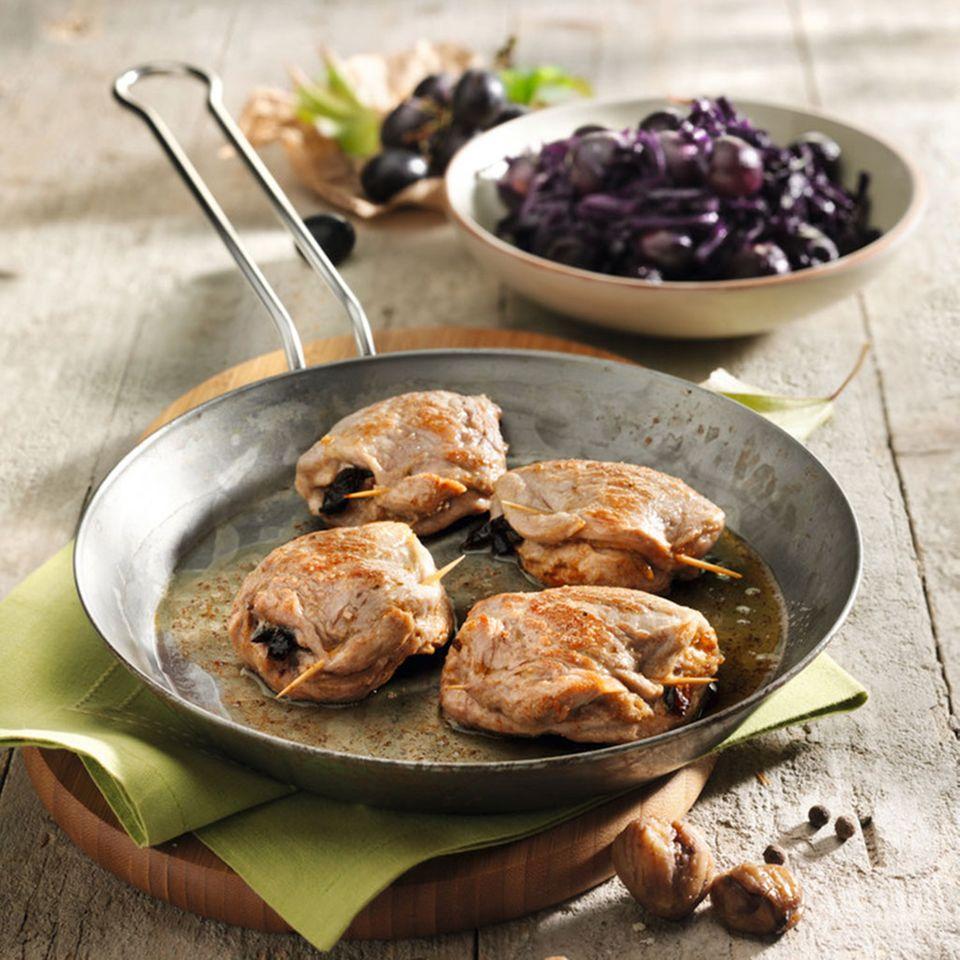 Gefülltes Schweinefilet mit Trauben-Rotkohl