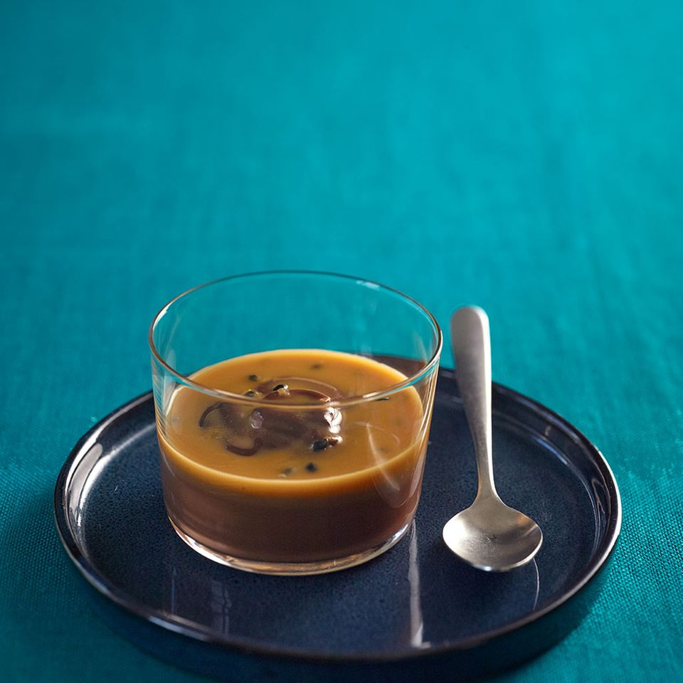 Pudding mit Maracuja-Karamell