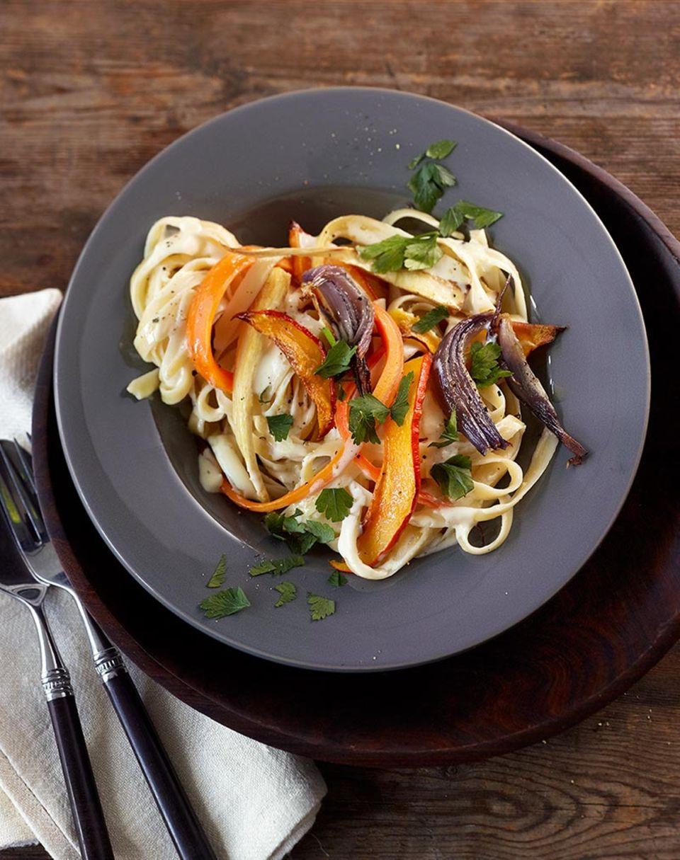 Durch die Zitronensauce wird die Pasta wunderbar aromatisch!