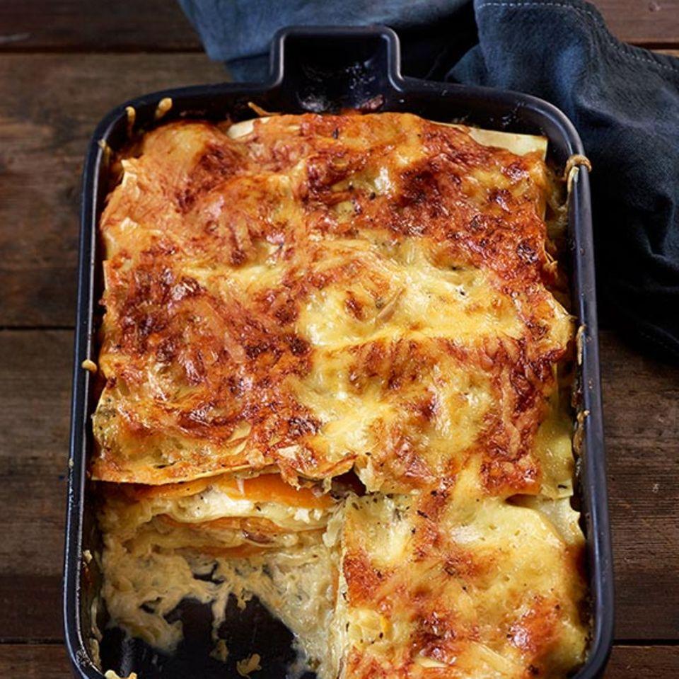 Sauerkraut und Kürbis machen diese Lasagne zum köstlichen Überraschungshit.