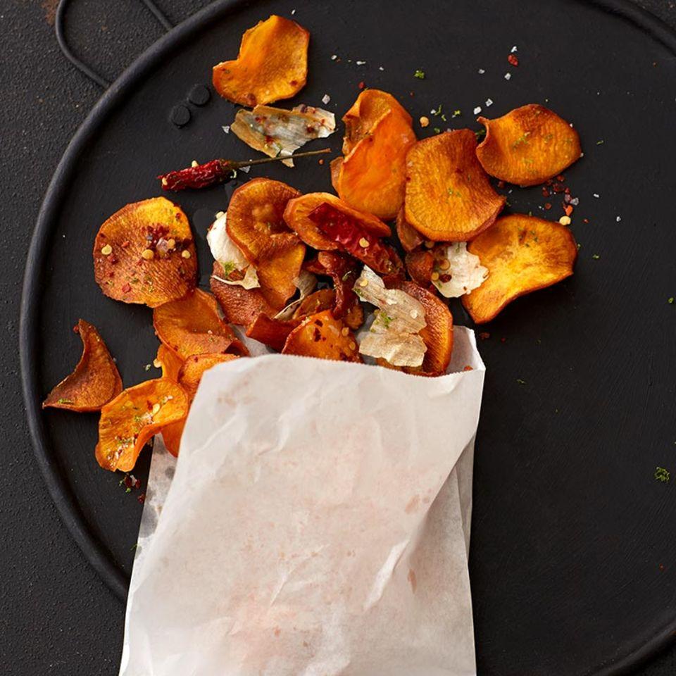 Süßkartoffel-Chips mit Limettensalz