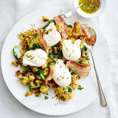 Kartoffelstampf mit Pancetta-Kümmel- Vinaigrette und pochiertem Ei