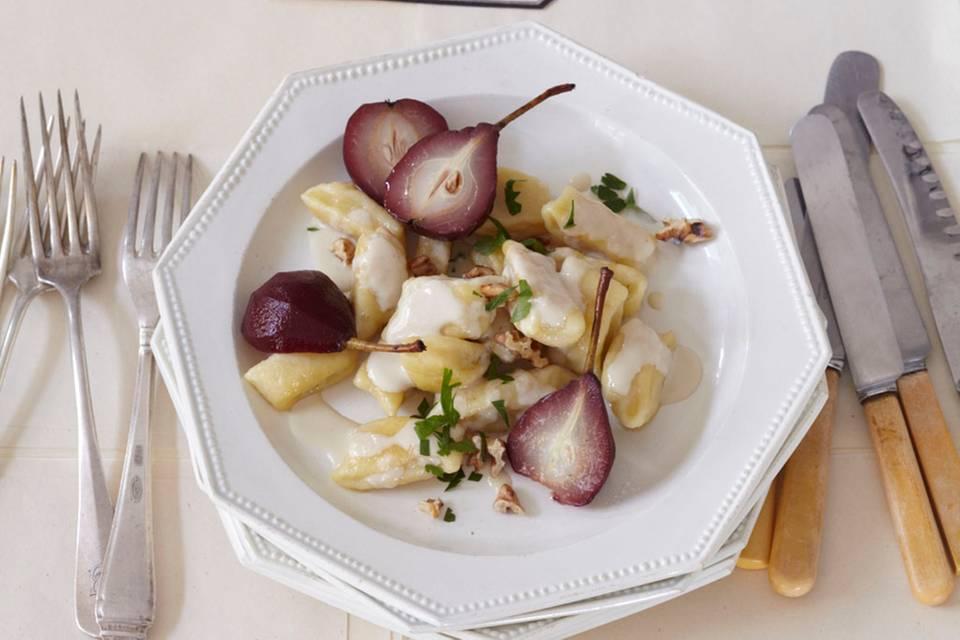 Kartoffel-Gnocchi mit Rotweinbirnen Rezept