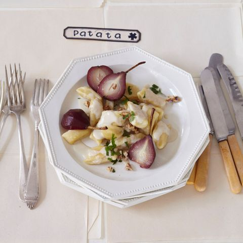 Kartoffel-Gnocchi mit Rotweinbirnen