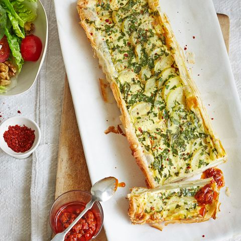Kartoffel-Tarte mit Harissa-Dip