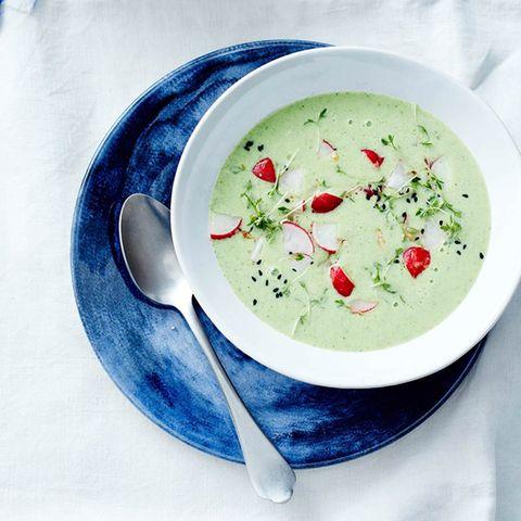 Radieschen-Buttermilch-Suppe