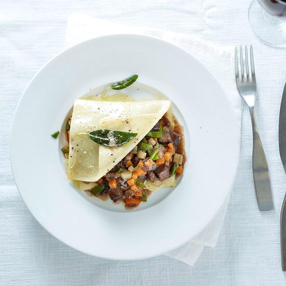 Teller-Lasagne mit Brasato