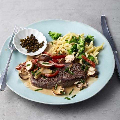 Steaks mit Pilz-Pfefferrahm
