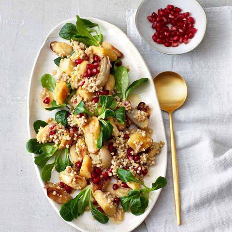 Buchweizensalat mit Ofengemüse und Granatapfel