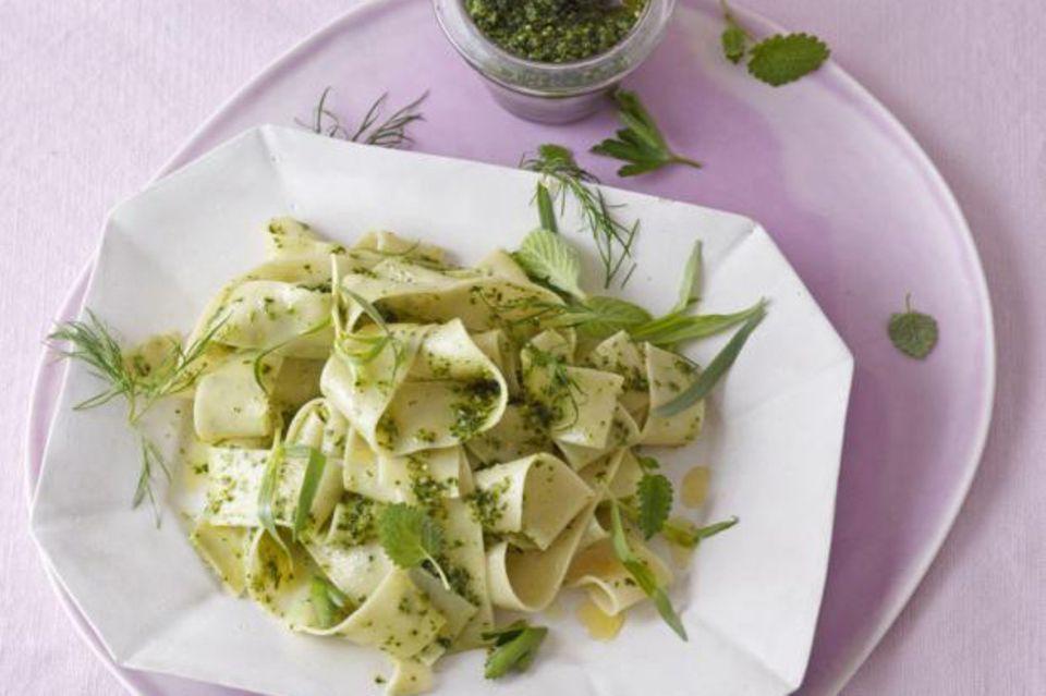 Pasta mit 7-Kräuter-Pesto