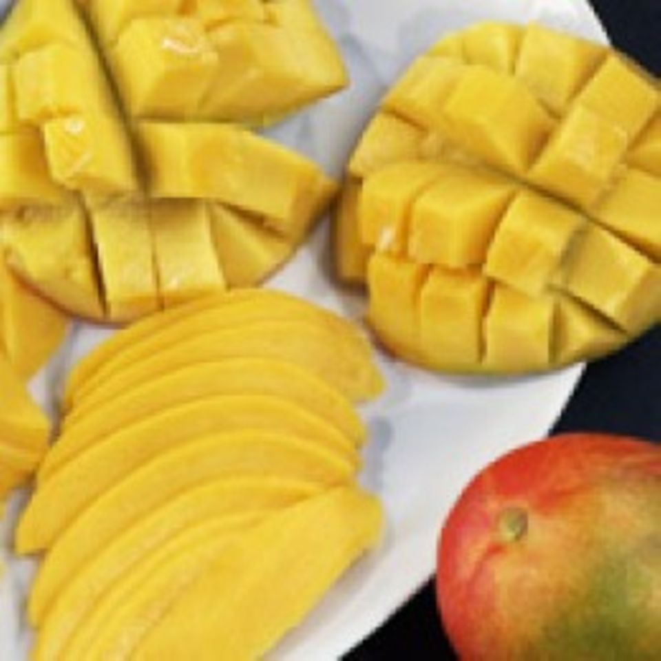 Video Mango schälen und zubereiten