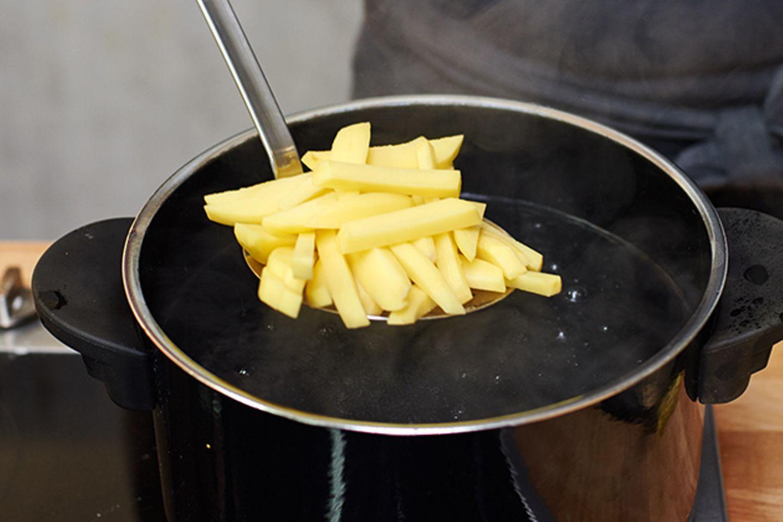 3. Pommes frites