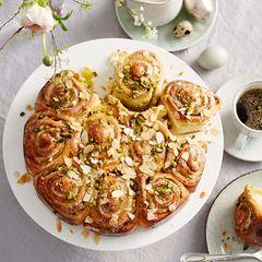 Schneckenkuchen mit Marzipan und Pistazien