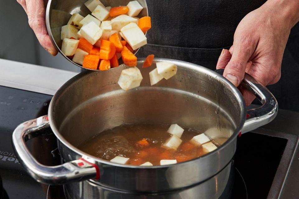 Wie macht man Sauerfleisch Einlage zubereiten