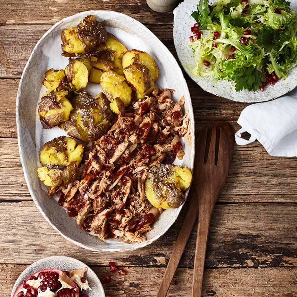 Pulled Chicken mit gerösteten Sesamkartoffeln Rezept