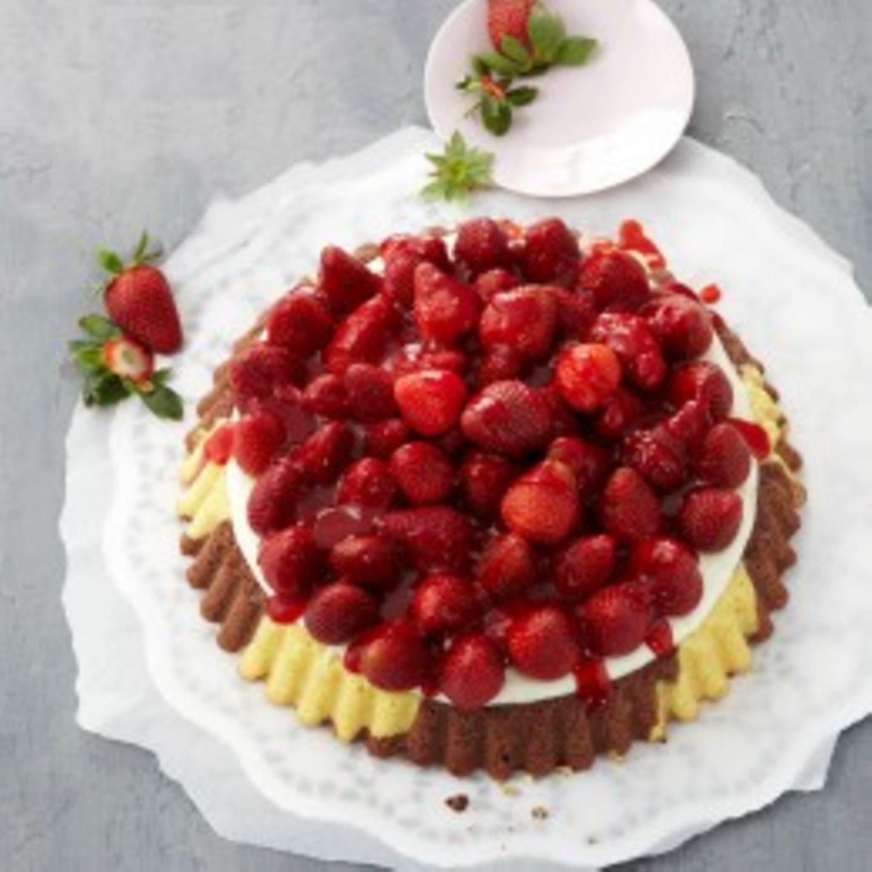 Kuchen und Gebäck mit Erdbeeren