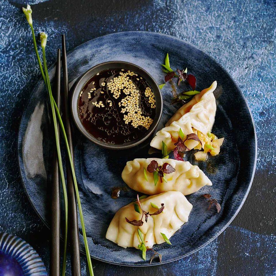 Kimchi Mandu