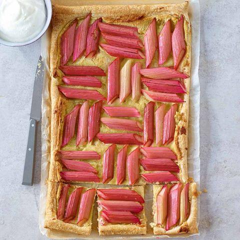 Schnelle Rhabarber-Blätterteig-Tarte