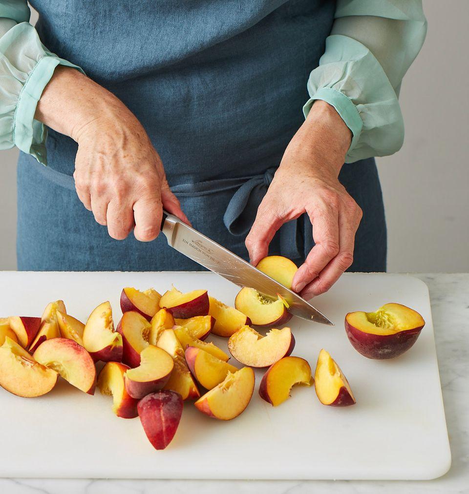 Pfirsichkuchen Melbar-Art Pfirsiche schneiden