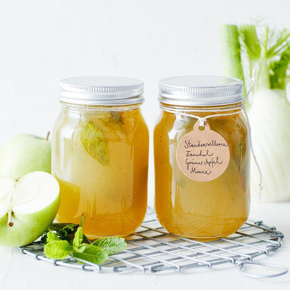Sellerie-Minze-Gelee mit grünem Apfel