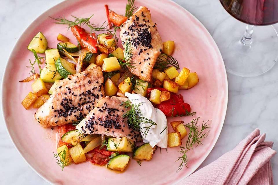 Welsfilet mit Paprika-Zucchini-Gemüse Rezept