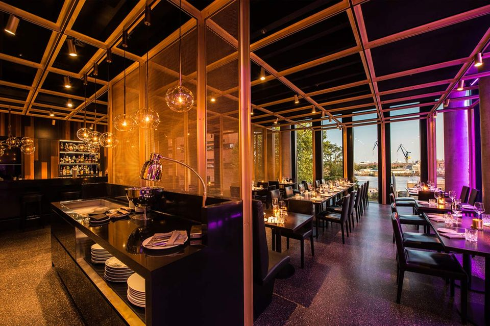 Restaurant waterkant im Empire Riverside Hotel Hamburg