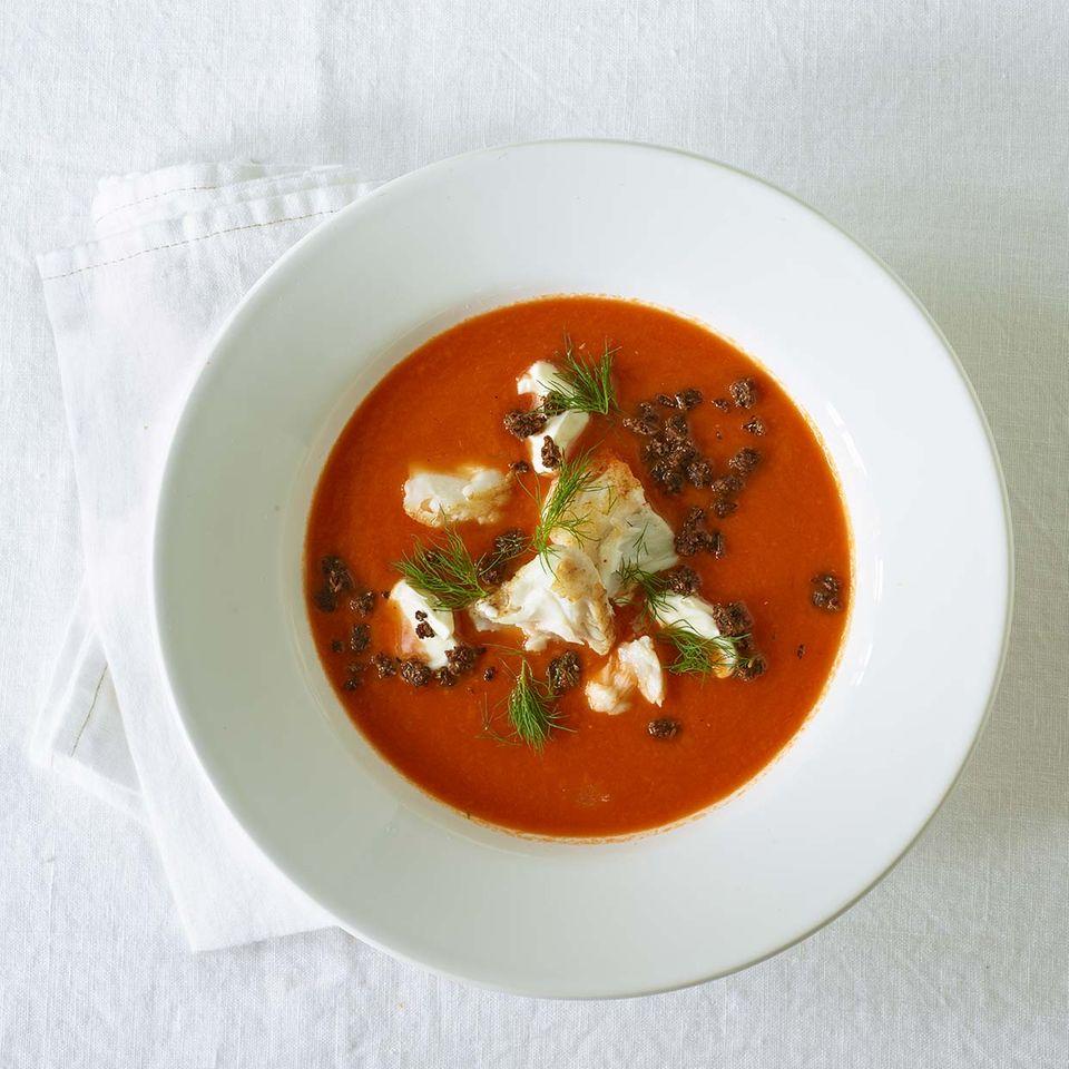 Französische Tomatensuppe mit Kabeljau und Wermut