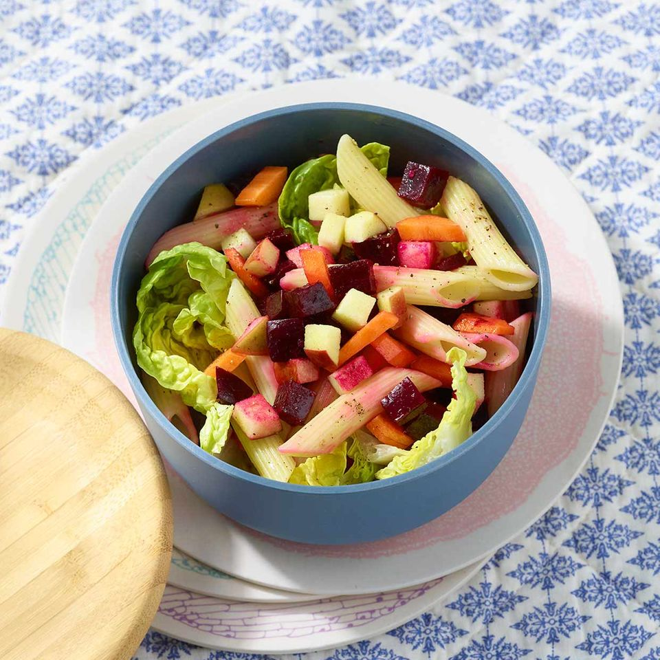 Bunter Nudelsalat mit Gemüse