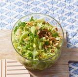 Spitzkohlsalat mit Röstzwiebeln