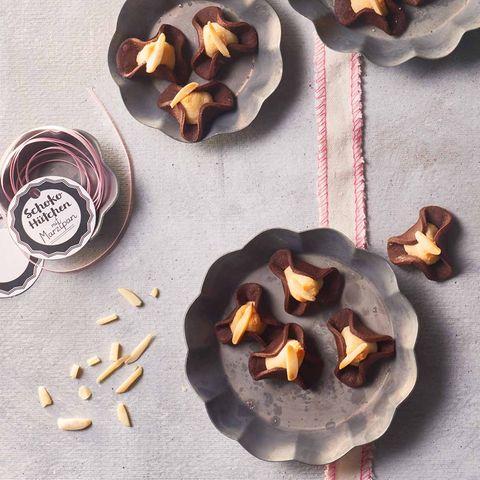 Schoko-Hütchen mit Marzipan für Thermomix ®