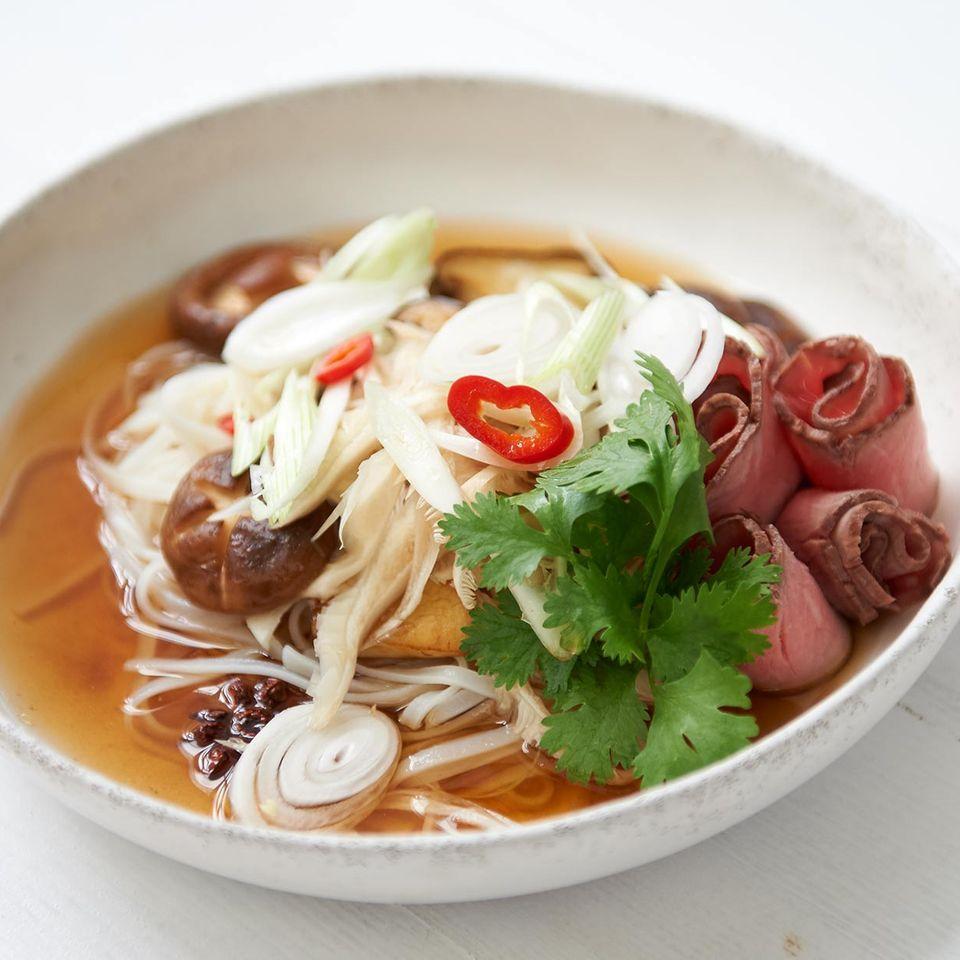Vietnamesische Pilzsuppe