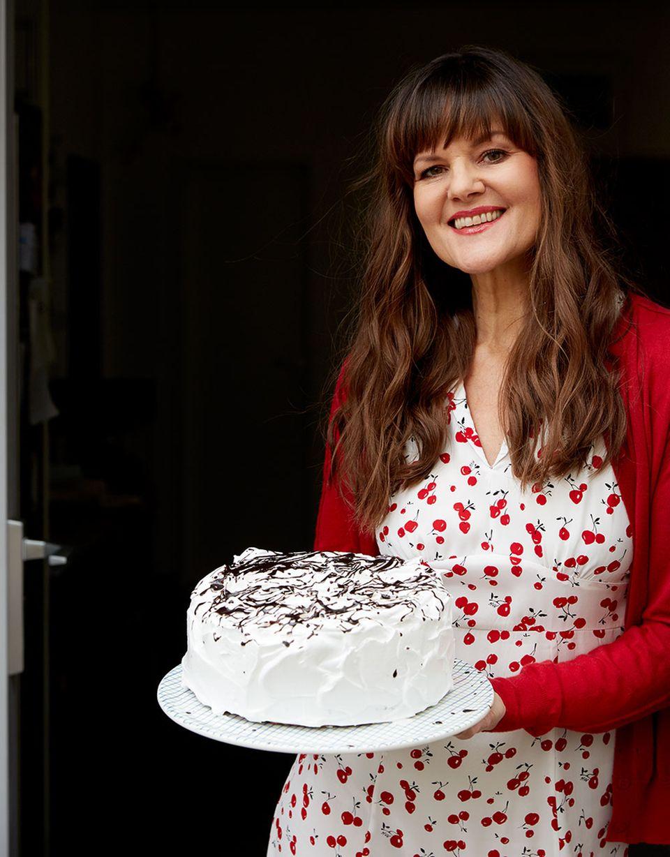 Cynthia Barcomi mit Schokoladen-Chiffon-Torte