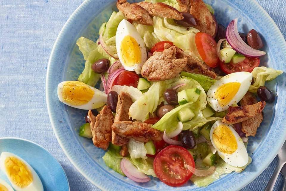 Bunter Salat mit Schweinefilet Rezept