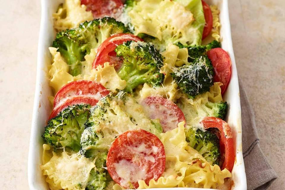 Broccoli-Nudel-Auflauf mit Tomaten Rezept