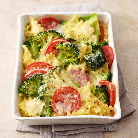 Broccoli-Nudel-Auflauf mit Tomaten