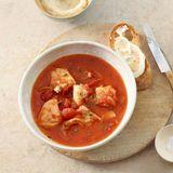 Fischsuppe mit Tomate