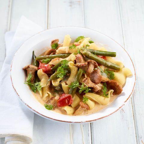 Bohnen-Pfifferlings-Pasta mit Tomaten