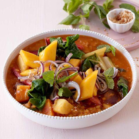 Mangold-Curry mit Mango-Salsa